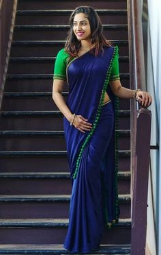 "Explore the new collection of Beautiful Indian Women in Sarees Looking So Gorgeous"". These are the most hottest Indian women looking beautiful in unique saree designs. Sari Design, Diy Design, Indian Beauty Saree, Indian Sarees, Indian Bollywood, Sari Azul, Royal Blue Saree, Moda Indiana, Simple Sarees"