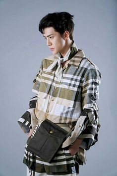 ImageFind images and videos about kpop, exo and sehun on We Heart It - the app to get lost in what you love. Kyungsoo, Hunhan, Chanyeol, Sehun Hot, Kokobop Exo, Exo Ot12, Vogue Korea, K Pop, Ko Ko Bop