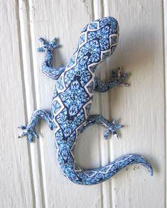 http://polymerclayworkshop.files.wordpress.com/2013/12/blue-lizard.jpg