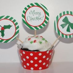 Printable Christmas Cupcake Set {Christmas Printables}