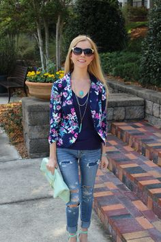 Casual in Floral on http://www.lovenleopard.com/