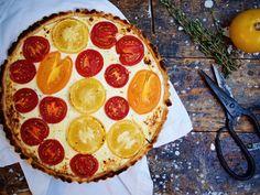 Tomaten-Ziegenkäse-Tarte / http://piasdeli.de/Rezept/tomaten-ziegenkaese-tarte/