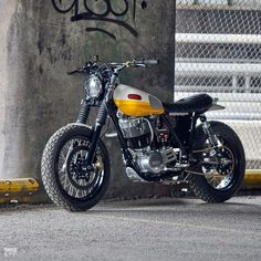 Vintage Motorcycles Yamaha scrambler built by Chicago photographer Daniel Peter - This funky is like your favorite childhood BMX bike—a fun, kerb-hopping urban runabout that'll put a smile on your face. Enduro Vintage, Vintage Motorcycles, Custom Motorcycles, Custom Bikes, Scooter Custom, Yamaha Motorcycles, Xt 600 Scrambler, Scrambler Motorcycle, Motorcycle Art
