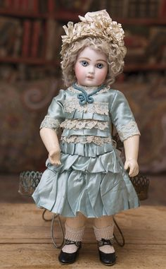 Ранняя Портретная Jumeau 36 см, 1878г. - на сайте антикварных кукол.