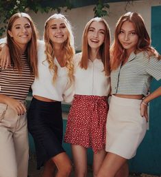 ahhh they're so perfect aw Annie Leblanc Outfits, Maddie And Mackenzie, Mackenzie Ziegler, Maddie Ziegler, Coachella Celebrities, Nadia Turner, Insta Photo Ideas, Friend Pictures, Aesthetic Clothes