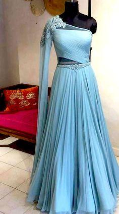 Latest Exclusive Designer Bridal Lehenga Choli in 2020 Indian Fashion Dresses, Indian Gowns Dresses, Dress Indian Style, Indian Designer Outfits, Gown Party Wear, Party Wear Lehenga, Party Gowns, Long Gown Dress, Lehnga Dress