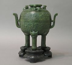 JP: Sacrificial Tripod with Cover Period: Qing dynasty (1644–1911), Qianlong period (1736–95) Culture: China Medium: Nephrite, spinach-green