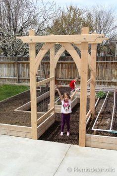 Vegetable Garden Arbor DIY garden pergola Build an Elevated Planter Box (and save your back! Garden Arbor, Veg Garden, Vegetable Garden Design, Garden Trellis, Garden Landscaping, Vegetable Gardening, Garden Entrance, Garden Archway, Diy Trellis