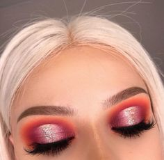 Idée Maquillage 2018 / 2019 : Halo cut crease red and coral with an iridescent shadow on the lid. Prom or hom - Idée Maquillage 2018 / 2019 : Halo cut crease red and coral with an iridescent shadow on the lid. Prom or hom - # Halo Eye Makeup, Eye Makeup Tips, Glam Makeup, Makeup Goals, Makeup Inspo, Makeup Art, Makeup Inspiration, Coral Eye Makeup, Makeup Glowy