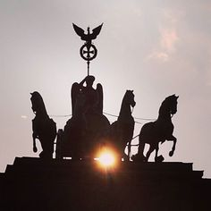 Sunriders. #Sunset #Berlin #travel #Germany #Deutschland #instatravel #iloveberlin #ichliebeberlin #visit_berlin