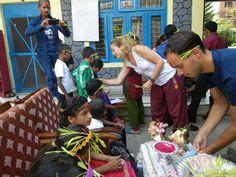 Participar en las fiestas como uno más. #voluntariado #nepal #dashain