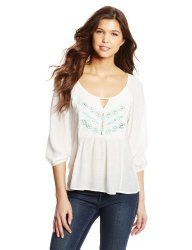 Timeless Fashion Piece Feature: The Peasant Blouse  http://dailytwocents.com/timeless-fashion-piece-feature-peasant-blouse/