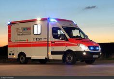 Einsatzfahrzeug: Rettung Saar 49/31 - BOS-Fahrzeuge - Einsatzfahrzeuge und Wachen weltweit