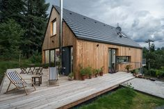 tiny homes interior ideas Chalet Design, House Design, Casas Containers, Cabins And Cottages, Log Cabins, Scandinavian Home, House In The Woods, Exterior Design, Future House