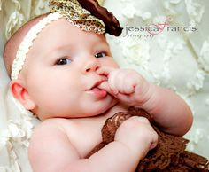 Newborn Pictures | Newborn Pose | Baby Photograhy | Baby Pictures