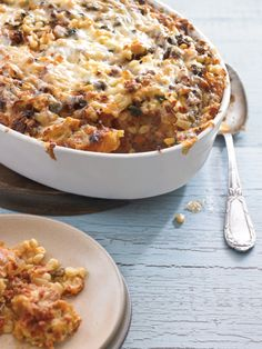 Corn and Chile Strata with Mexican Chorizo - Williams-Sonoma High Protein Breakfast, Breakfast Tacos, Morning Breakfast, Breakfast Casserole, Egg Recipes For Breakfast, Brunch Recipes, Dinner Recipes, Mexican Dishes, Mexican Food Recipes