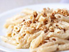 Pâtes aux noix et au camembert : Recette de Pâtes aux noix et au camembert - Marmiton