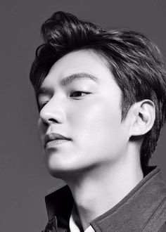 LMH looking stern and dominant *fans face* Jung So Min, Asian Actors, Korean Actors, Korean Dramas, Kim Go Eun Style, Lee And Me, Cha Eunwoo Astro, Lee Min Ho Photos, W Two Worlds
