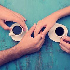 Kennenlernen: 20 Fragen, die dein erstes Date interessanter machen Best Dating Sites, Eleanor Roosevelt, Nespresso, Rings For Men, Dates, Https Instagram, Psych, Coaching, Gallery
