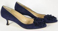 Manolo Blahnik navy blue suede kitten heels, with toe flowers :) Kitten Heel Shoes, Mid Heel Shoes, Pumps Heels, Women's Shoes, High Heels, Blue Shoes, Manolo Blahnik Heels, How To Make Shoes, Kitten Heels