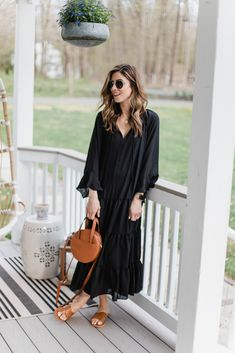Oversized Long Sleeve Shirt, Build A Wardrobe, Black Maxi, Spring Fashion, Style Inspiration, My Style, How To Wear, Connecticut, Fashion Bloggers