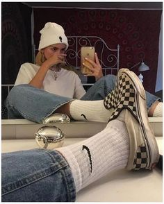 ♥ 72 hipster outfits you will want to try 1 Skater Girl Outfits, Skater Girls, Hipster Outfits, Retro Outfits, Grunge Outfits, Vintage Outfits, Casual Outfits, Vintage Clothing, Summer Outfits