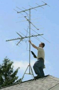 Tv antenna....thank you Lord for cable!