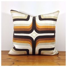 """1960s 1970s Vintage Fabric Graphic Lined Cushion Cover 16"""" x 16"""""""