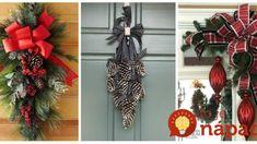 Nemusí to byť len o vencoch: 21 krásnych nápadov, ako si počas adventu vyzdobiť vchodové dvere! 4th Of July Wreath, Christmas Wreaths, Halloween, Holiday Decor, Home Decor, Liquor, Christmas Garlands, Homemade Home Decor, Holiday Burlap Wreath