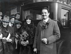 Oswald Mosley, the Socialist candidate in the Smethwick by-election, campaigning with his wife Lady Cynthia Curzon, December 1926 Mitford Sisters, Women's History, High Society, Wwii, 1920s, Politics, England, Lady, Books