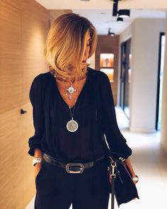 Classy/ casual outfits for women. Mode Outfits, Chic Outfits, Trendy Outfits, Fall Outfits, Fashion Over 50, Look Fashion, Fashion Beauty, Spring Fashion, Fashion Tips
