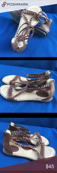 BOC by Born size 7 Like new Born Shoes Sandals