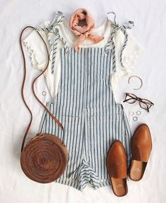 A summer romper is a staple that every girl should have! Wearing a good summer romper makes any outfit instantly cute but you can also take a summer romper from super casual to really upscale. You can even go so far as to wear a summer romper to a weddin Overalls Outfit, Romper Outfit, Dungarees, Cute Summer Outfits, Trendy Outfits, Outfit Summer, White Short Outfits, Summer Travel Outfits, Cute Summer Clothes