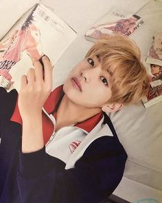 i gather my restless thoughts, string words into a meaningful sentence, then i see your eyes, and once again; i'm breathless. he is so beautiful blonde taehyung is honestly the best thing that have ever happened in this world trust m e - 160528 A.R.M.Y #3기 ❤ ©이암이