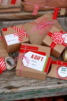 Christmas gift wrapping with washi tape