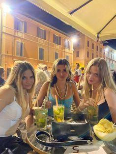 Bff Goals, Friend Goals, Summer Dream, Summer Girls, Bffs, Bestfriends, Foto Best Friend, Best Friend Photos, European Summer