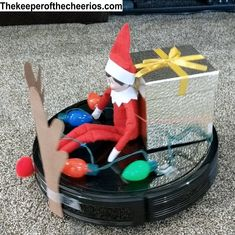 Hilarious elf on a shelf idea that your kids will love. Elf on the Shelf Riding Rudolph the red nosed Roomba. Noel Christmas, Christmas Crafts, Toddler Christmas, Christmas Humor, Awesome Elf On The Shelf Ideas, Elf Is Back Ideas, Elf Ideas Easy, Elf Auf Dem Regal, Bad Elf