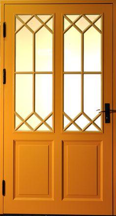 Vacker ytterdörr Classic Doors, A Frame House, Steel Doors, Exterior Doors, Scandinavian Interior, Windows And Doors, Curb Appeal, Inspiration, Mudroom