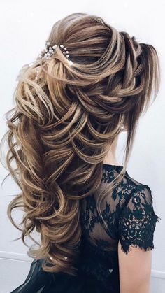 wedding hairstyles 2019 Taut hairstyle with accessories for engagement brides wedding and engagement hairstyles 2019 - Engagement Hairstyles, Wedding Hairstyles For Long Hair, Bride Hairstyles, Pretty Hairstyles, Easy Hairstyles, Hairstyle Ideas, Female Hairstyles, Everyday Hairstyles, Hairdos