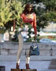 Les Voyageurs, bronze sculptures by Bruno Catalano - Ego - AlterEgo Art Bizarre, Xavier Veilhan, Photo D Art, Sculptures For Sale, Art Sculptures, Modern Sculpture, Sculpture Garden, Outdoor Sculpture, Arte Popular