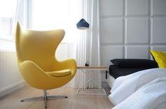 Calido minimalismo - dormitorio butaca