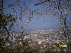 Una vista preciosa de la ciudad desde el predio de la Iglesia de la Virgen de la Candelaria.