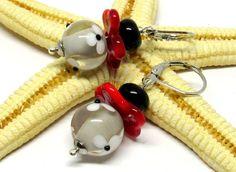 Glasohrringe - SMAUGGS handgearb. Ohrringe Blümchen - ein Designerstück von Smauggs bei DaWanda