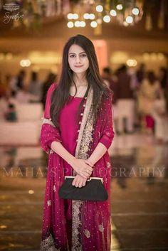 Proir Beautiful Pakistani Dresses, Pakistani Formal Dresses, Pakistani Dress Design, Pakistani Fashion Party Wear, Pakistani Wedding Outfits, Bridal Outfits, Shadi Dresses, Indian Gowns Dresses, Nikkah Dress
