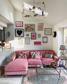 25 Stylish Living Room Decor Ideas For Any Budget – BuzzKee Living Room Designs, Living Room Decor, Bedroom Decor, Pink Living Rooms, Living Room Gallery Wall, Gallery Walls, Living Area, Home Decor Inspiration, Decor Ideas