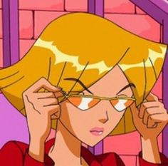 i don't usually post cartoons but clover from totally spies is such a vibe . i don't usually post cartoons but clover from totally spies is such a vibe 🌸 Cartoon Kunst, Cartoon Icons, Cartoon Memes, Girl Cartoon, Cute Cartoon, Cartoon Art, Black Cartoon, Funny Cartoon Pics, Cartoon Picture