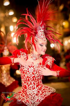 Carnaval de Águilas - Fiestas de interés Turístico Internacional Christmas Ornaments, Holiday Decor, Fashion, Fotografia, Fiestas, Moda, Fashion Styles, Christmas Ornament, Fashion Illustrations