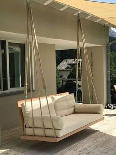 Outdoor porch swing, DIY swing bed, Elegant and comfortable bed Best Picture For home design kitchen Diy Swing, Pallet Swing Beds, Home Swing, Outdoor Chairs, Outdoor Furniture, Modern Furniture, Antique Furniture, Outdoor Rooms, Home Decor Ideas