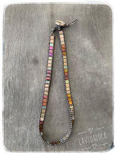 Beaded Jewelry, Beaded Necklace, Jewellery, Bracelets Wrap En Cuir, Beaded Leather Wraps, Bracelet Crafts, Grey Leather, Seed Beads, Etsy