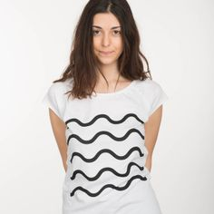 T-Shirt schwarze Wellen // T-Shirt black waves by ThokkThokk via DaWanda.com